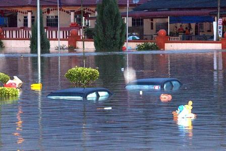 Филиппины: из-за наводнения эвакуируют людей