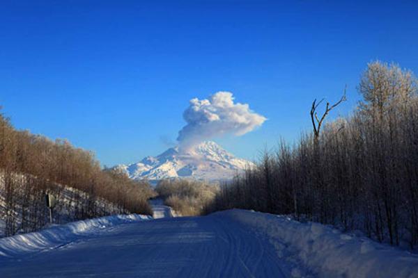 Сейчас на Камчаке не спят уже 3 вулкана