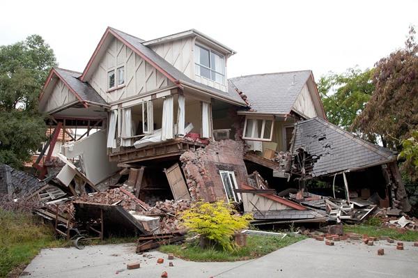 Как пережить землетрясение в доме или квартире