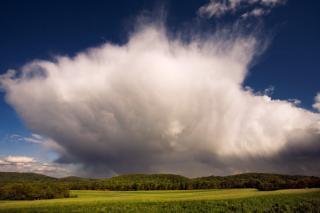 Облака - предвестники грозы