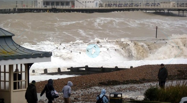 Сильный шторм в Великобритании