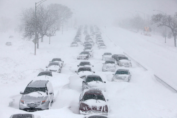 Снег и морозы в США