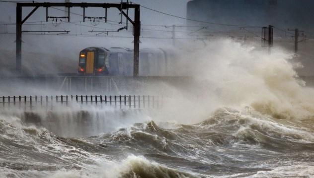 Шторм в Великобритании - сильнейший за 20 лет