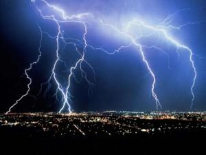Тучи с дождем вызываются мощным лазерным лучом