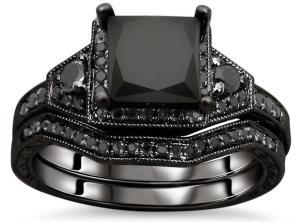 Обручальное кольцо с черным бриллиантом