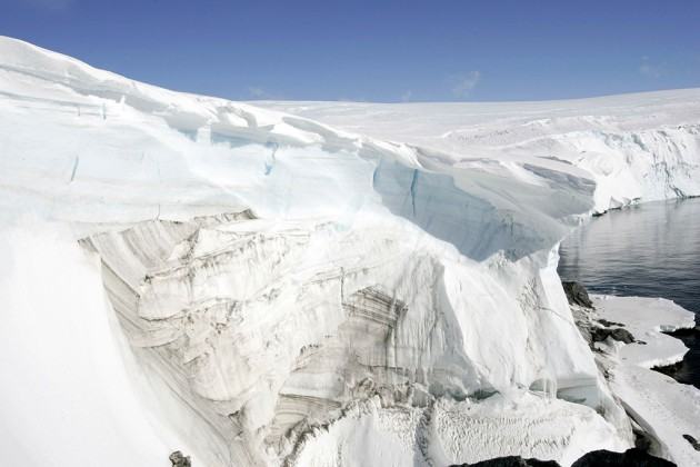 Антарктида тает