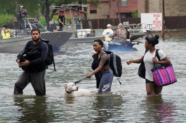 Американские СМИ называют наводнение в Хьюстоне катастрофой