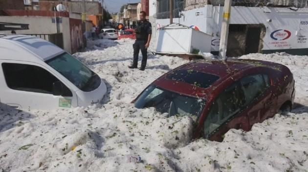 Снег в Мексике при жаре 30 градусов